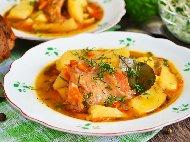 Яхния с варен заек, картофи, лук, моркови и червено вино